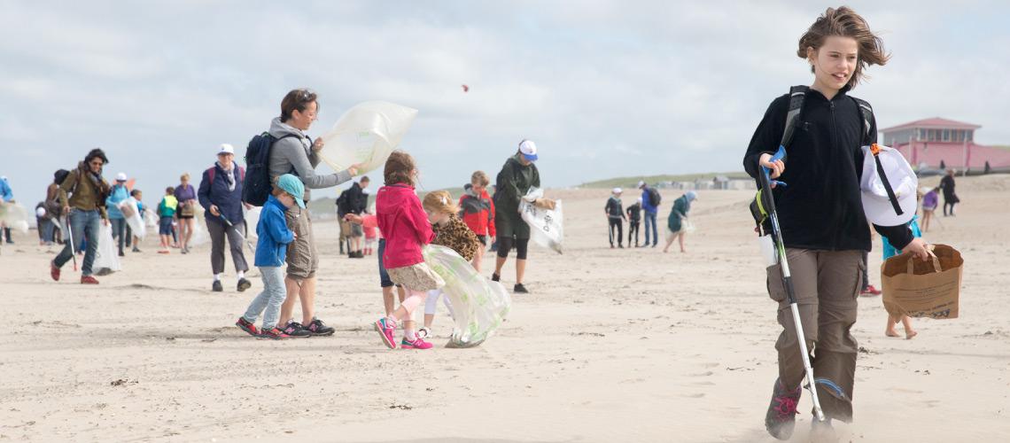 Goed afvalgedrag van strandbezoekers
